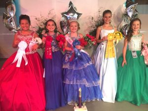 DeKalb Fair Miss Sweetheart: 3rd runner-up Isabella Faith Rackley, 1st runner-up Carleigh Isabella Beckham, Miss Sweetheart Addison Isabella Kyle, 2nd runner-up Keara McKinsey Milligan, and 4th runner-up Camri Layne Johnson