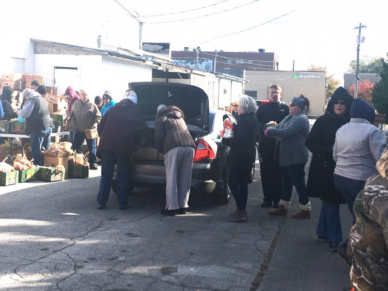 Church Group Braves the Cold to Feed the Needy