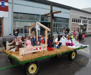 Alexandria Christmas Parade: 1st place float-West Main Baptist Church