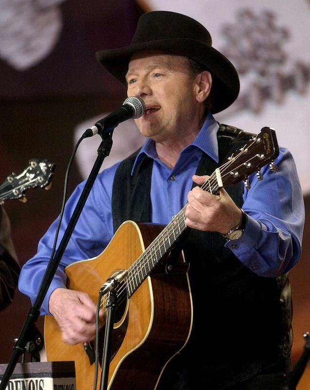 2019 Blue Blaze Award Winner Ronnie Reno To Perform At Smithville Fiddlers' Jamboree
