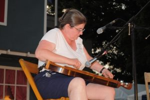 *Mountain Dulcimer: First Place-Pam Hunt of Mansfield, Ohio